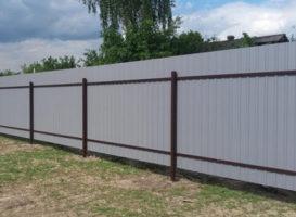 Облегченный забор из профнастила
